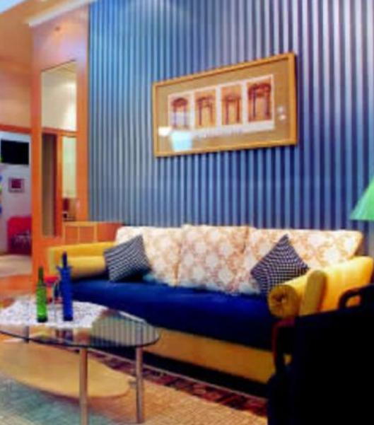 大客厅如何不显得空荡,电视墙的设计与装饰原则是什么  装修知识  第1张