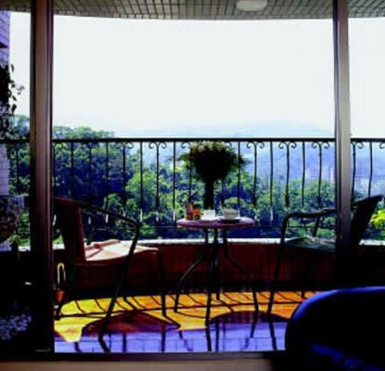 阳台怎么装修变身书房餐厅园林健身房  装修知识  第1张