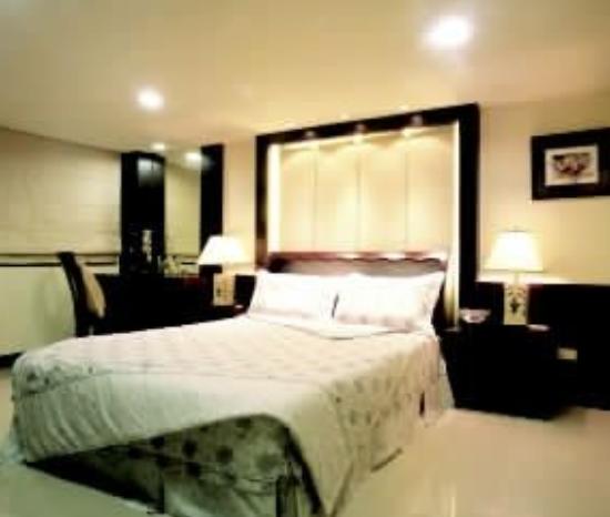 台灯是点缀家具空间的饰品吗,卧室灯光的选择标准是什么  装修知识  第1张